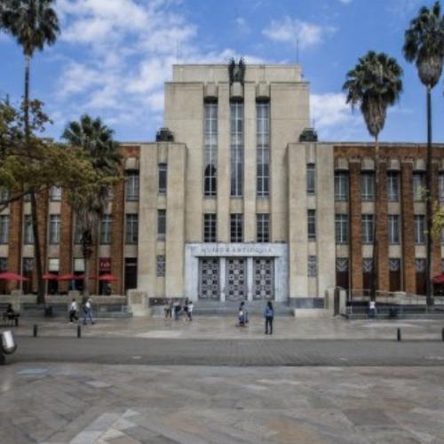 MEDELLÍN - MUSEO DE ANTIOQUIA & MUSEO DE ARTE MODERNO